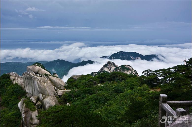 天柱山风景区】(游览时间不少于4小时)位于安庆市